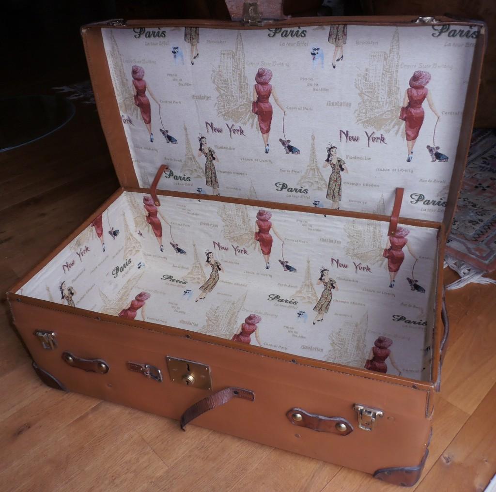 Alter Koffer aus Vulkanfiber